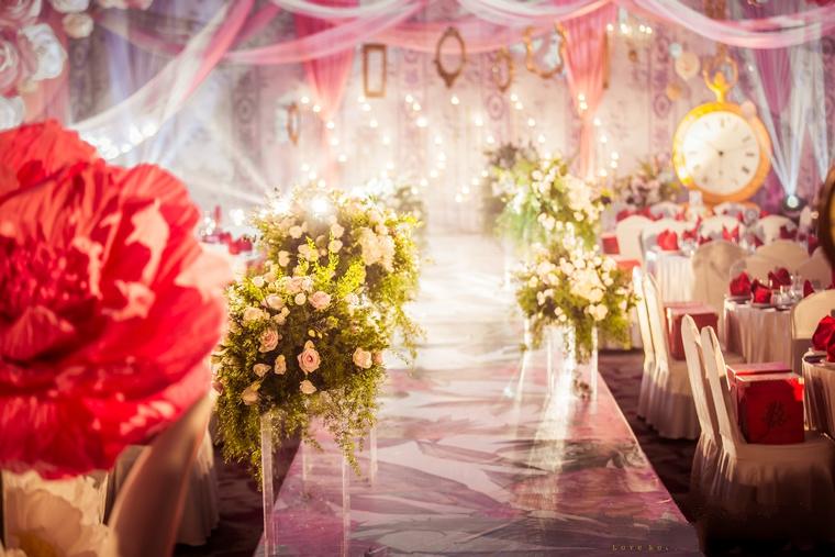 爱丽丝梦游仙境主题婚礼